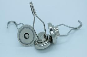 Магнит D32 в корпусе с крючком (вращение 360° градусов) (22 кг)