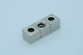 Магнит неодимовый 10х10x4 мм, отверстие 4 мм