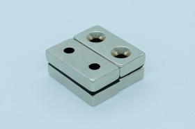 Магнит неодимовый 40х20x9,6 мм с двумя отверстиями 5,5 мм