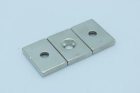 Магнит неодимовый 30х20x5 мм, отверстие 5 мм